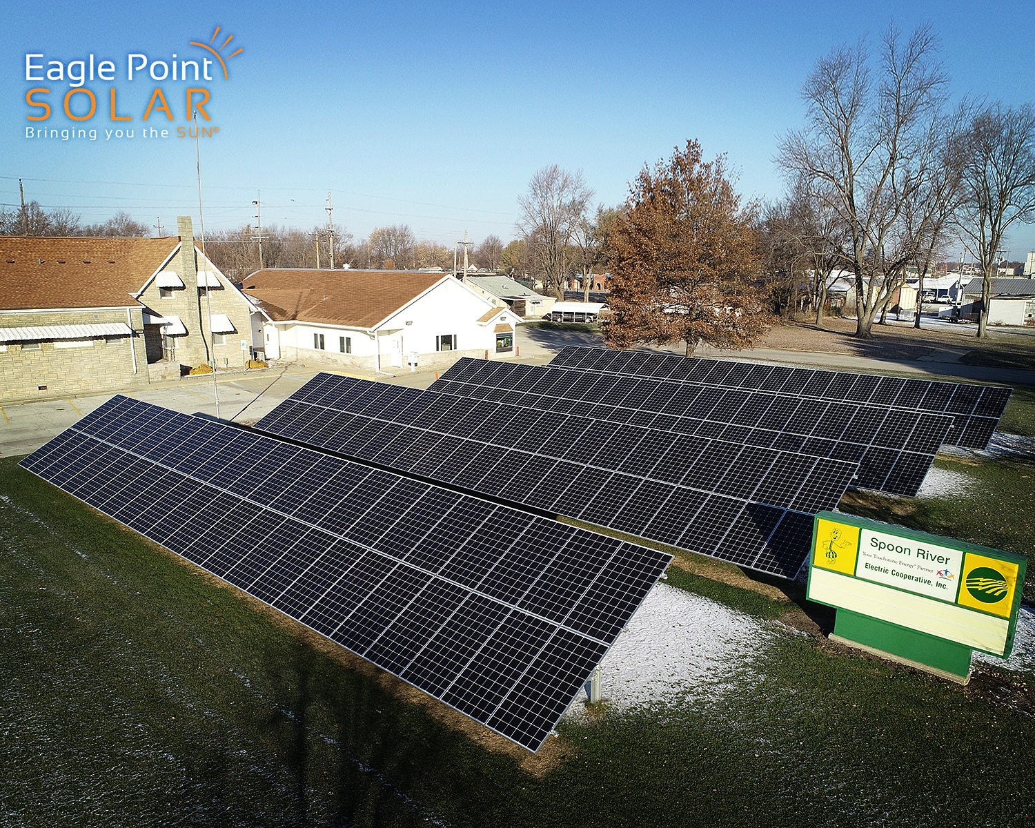 Photo of ground mounted solar array for Spoon River Utility
