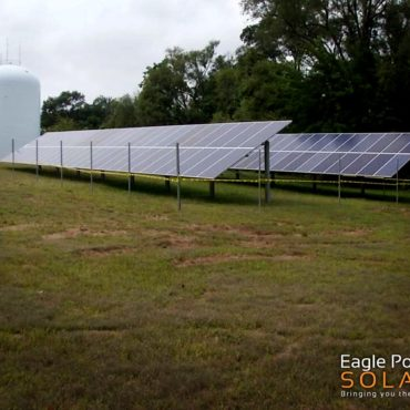 Photo of city of Cedar Rapids ground solar array