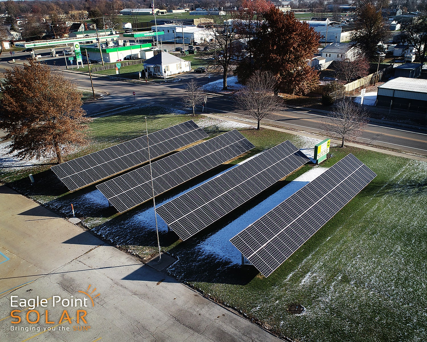 Photo of ground mounted solar array for Spoon River Electric Co-op