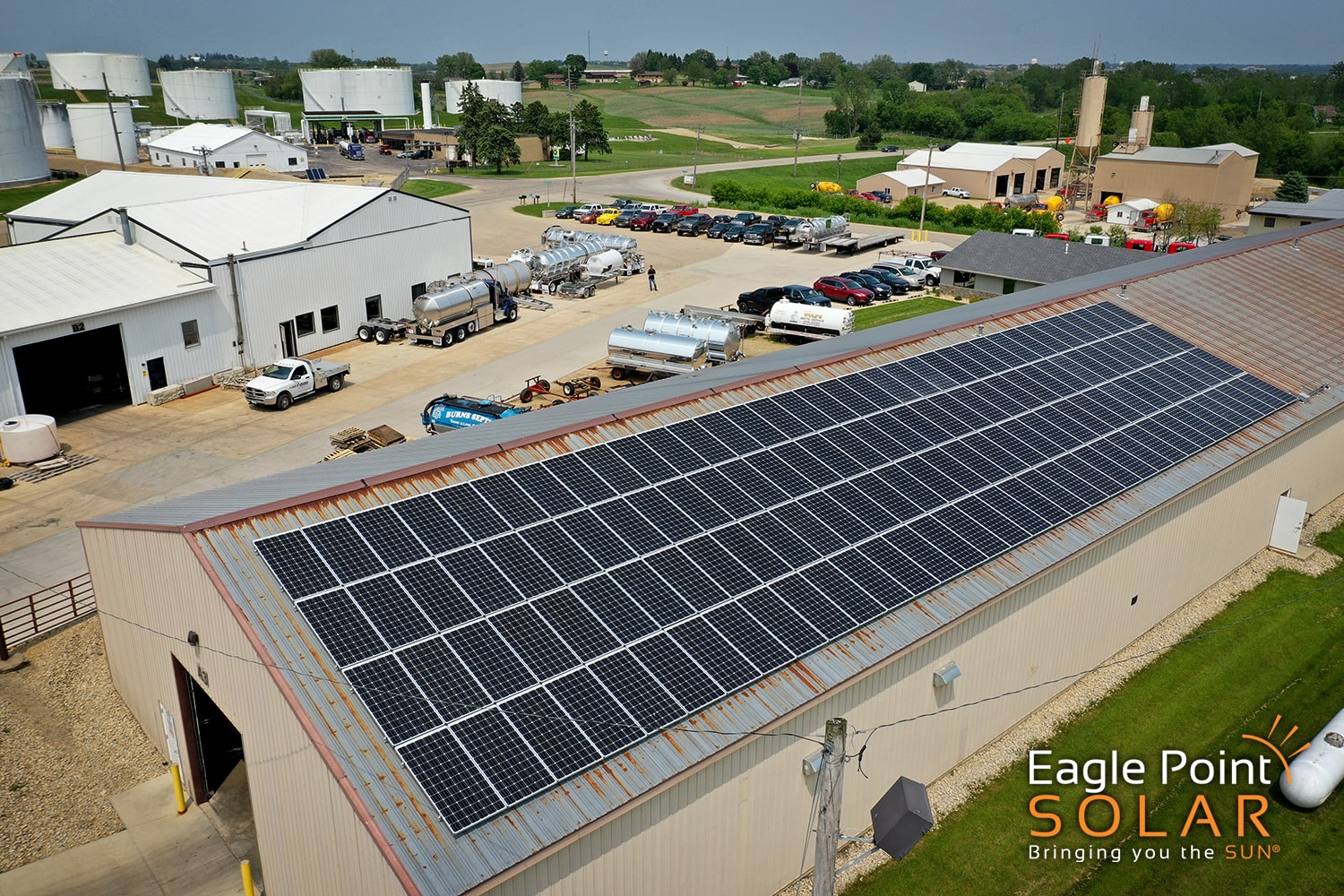 Photo of commercial roof mounted solar array on Advance Pump