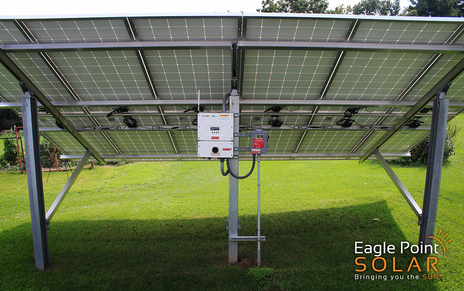 PHOTO OF GROUND MOUNTED SOLAR ARRAY COLE RESIDENTIAL, ILLINOIS_V3