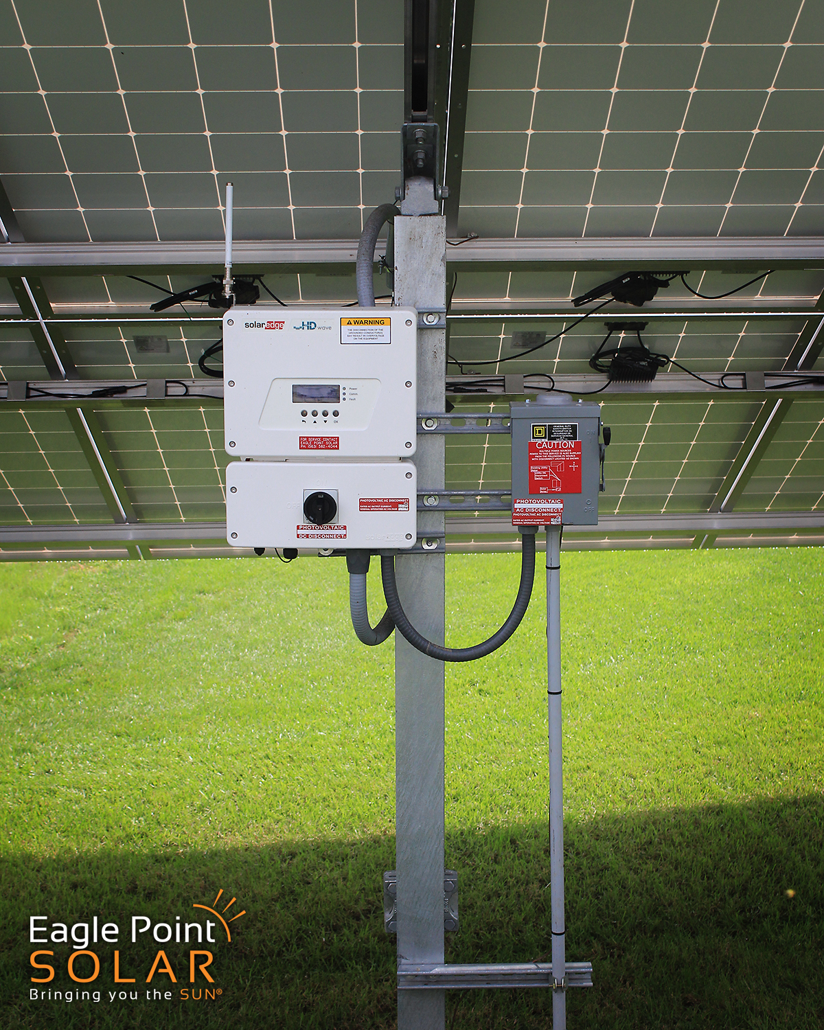 PHOTO OF GROUND MOUNTED SOLAR ARRAY COLE RESIDENTIAL, ILLINOIS_V5